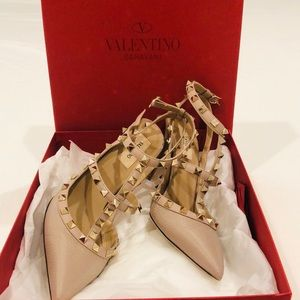 Valentino heels. New. Worn twice.